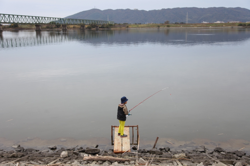 11月水辺の教室「はぜはどこに住んでいるの?~はぜを釣ろう~」