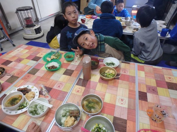 お昼は青のりを使った特製ご飯!